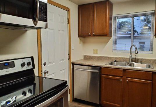 507 Mitchell Ct kitchen
